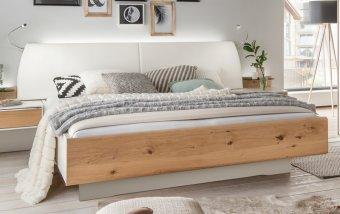 Moderní postel CHICAGO alpská bílá/dub