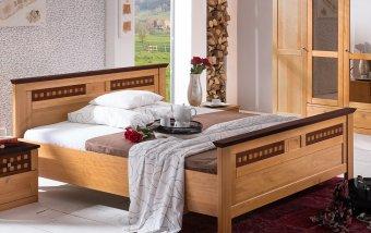 Postel z borovicového masivu ROMANTIKA jantar/ořech 200x200
