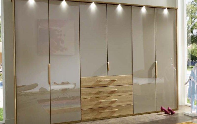 Šatní skříň s křídlovými dveřmi a osvětlením TORINO dub masiv/dubová dýha/sklo Sahara
