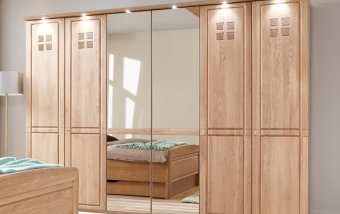 Šatní skříň se zrcadlem CORTINA dub masiv