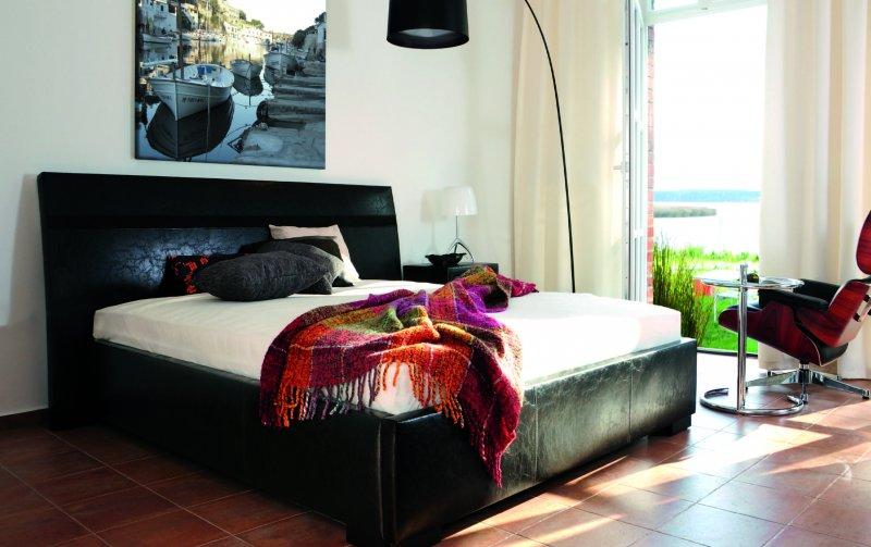 Čalouněná postel PARIS de LUXE 140x200