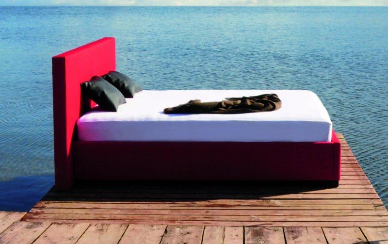 Čalouněná postel s úložným prostorem RIMINI 140x200