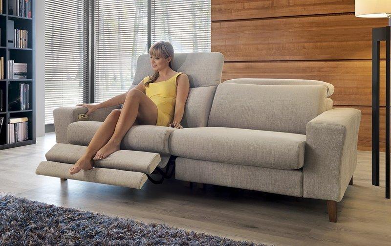 Designová pohovka DIVERSO s funkcí relax