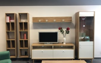 VÝPRODEJ: Moderní obývací stěna s konferenčním stolkem FRANKA bílá/dub Grandson