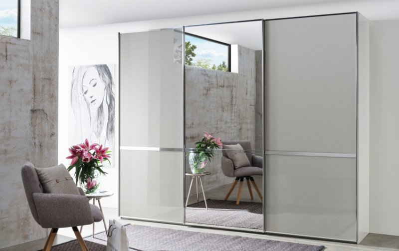 Šatní skříň s posuvnými dveřmi a zrcadlem MONTREAL bílá/sklo šedý lesk