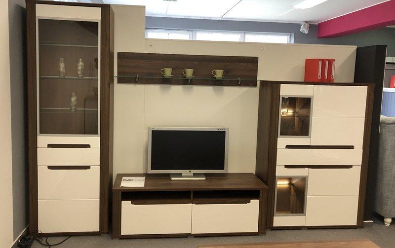 VÝPRODEJ: Moderní obývací stěna s konferenčním stolkem NEAPOLI horský ořech/bílý lesk