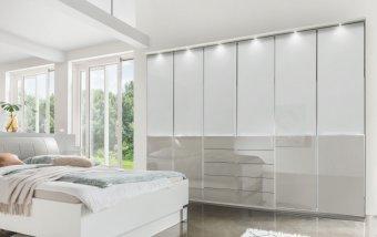 Moderní šatní skříň SHANGHAI 2 bílá/sklo bílá-šedá